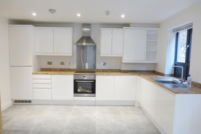 2 bed flat to rent in King Street, Norwich