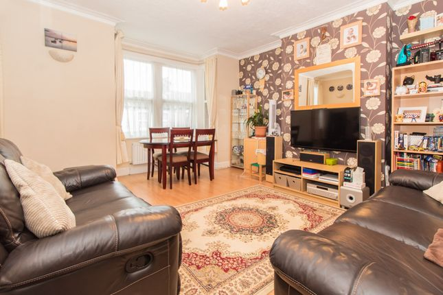 Thumbnail Flat for sale in Shakespeare Drive, Westcliff-On-Sea