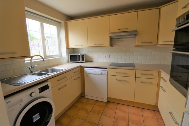 Thumbnail Terraced house to rent in Hungerford Close, Sandhurst
