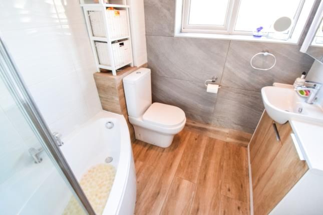 Bathroom of Bridgwater Close, Alvaston, Derby, Derbyshire DE24