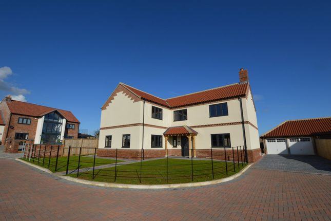 Thumbnail Detached house for sale in Meadow Dene, East Ayton, Scarborough