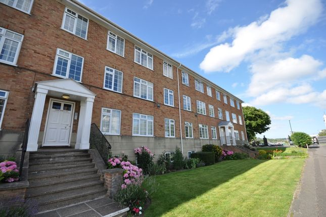 Thumbnail Flat to rent in South Road, Hythe