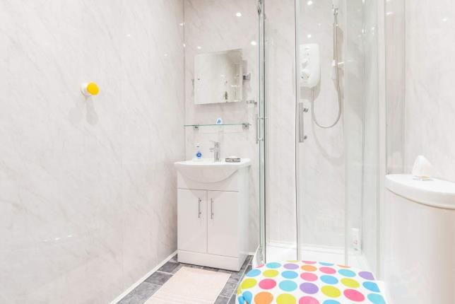 Shower of Springhill Road, Port Glasgow, Inverclyde PA14
