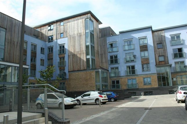 1 bed flat to rent in Quayside Drive, Colchester, Essex CO2