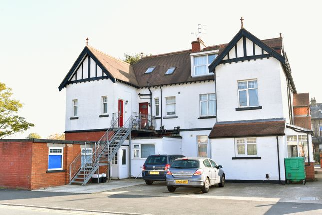 Thumbnail Flat to rent in Birstwith Road, Harrogate