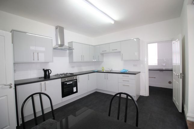Kitchen of Hyde Road, Waterloo, Liverpool L22