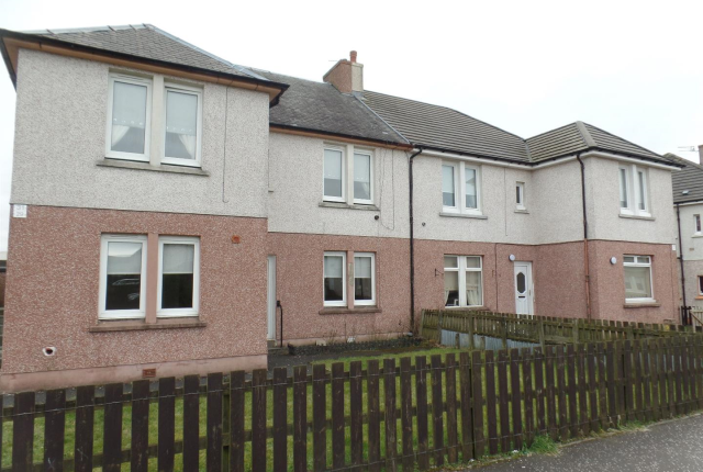 Thumbnail Flat to rent in Stewart Crescent, Newmains, Wishaw