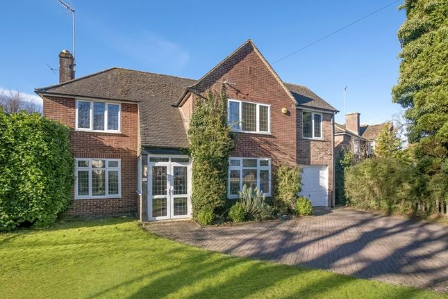 Thumbnail Detached house for sale in Bloxham Road, Banbury