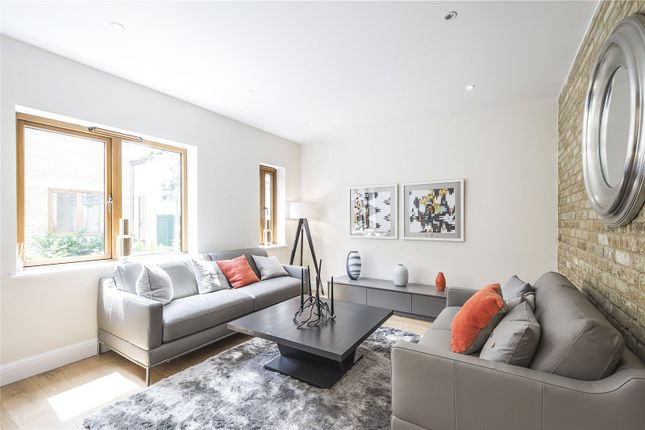 Thumbnail Mews house for sale in Paragon Mews, Meadow Road, London