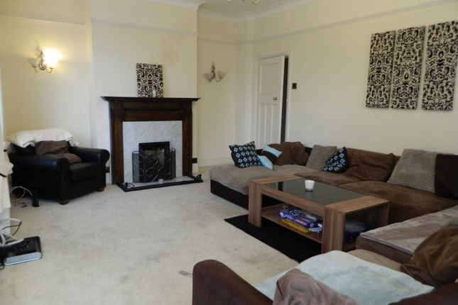 Thumbnail Terraced house to rent in Bromham Road, Bedford