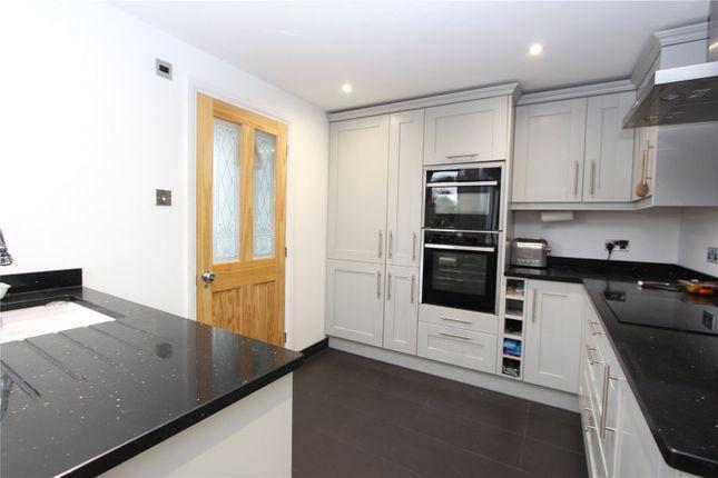 Thumbnail Flat to rent in Cranley Gardens, Palmers Green, London