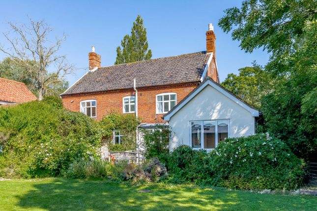 Thumbnail Detached house for sale in Saxtead Road, Framlingham, Woodbridge, Suffolk