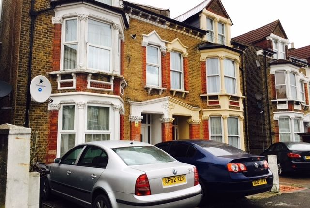 Thumbnail Flat to rent in Cameron Road, Croydon
