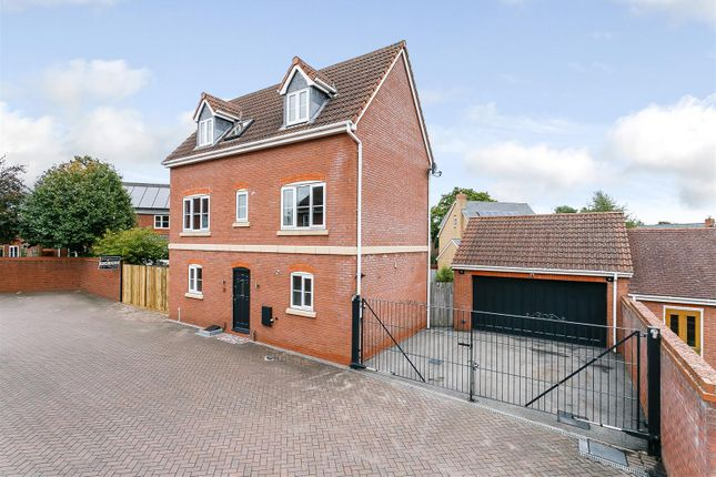 Thumbnail Detached house for sale in Short Street, Dickens Heath, Solihull