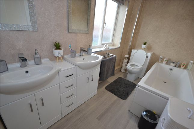 Ff Bathroom of Ebor Manor, Keyingham, Hull HU12