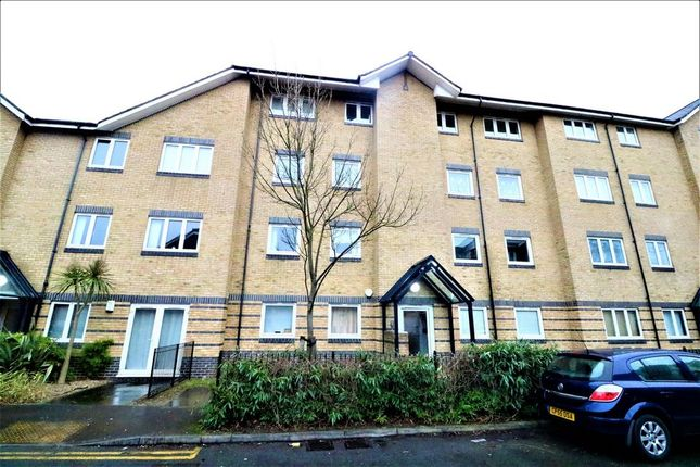 Thumbnail Flat to rent in Southwell Close, Chafford Hundred, Grays