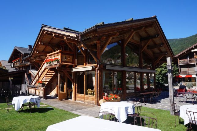 Thumbnail Restaurant/cafe for sale in Route De La Plagne, Morzine, Haute-Savoie, Rhône-Alpes, France
