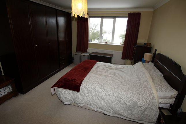 Bed 1 of Wells Mount, Upper Cumberworth, Huddersfield HD8