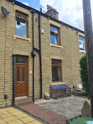Thumbnail Terraced house to rent in Bell Street, Huddersfield