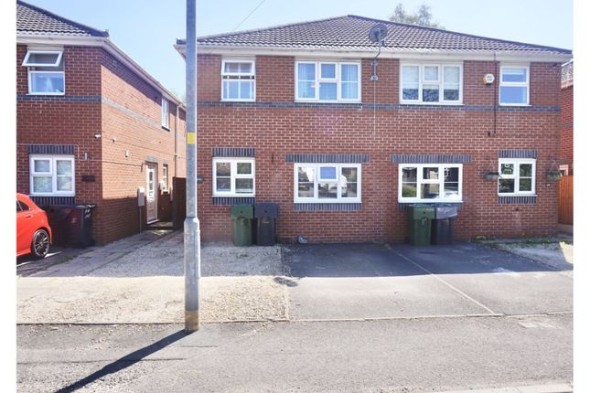 3 bed semi-detached house to rent in Stourbridge Road, Bromsgrove B61