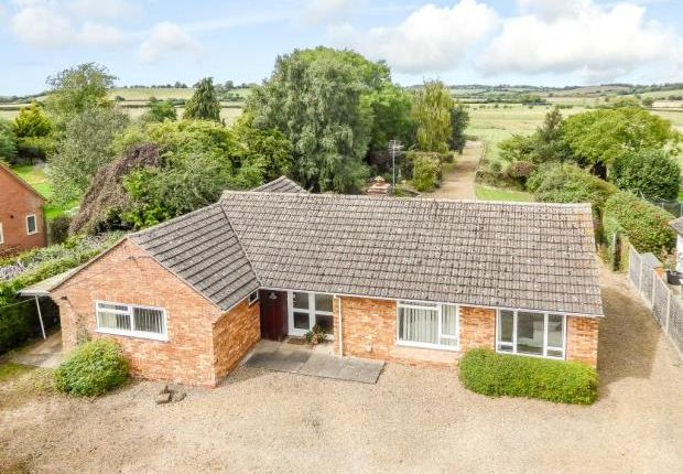 Thumbnail Detached bungalow for sale in Oxhill, Warwick, Warwickshire
