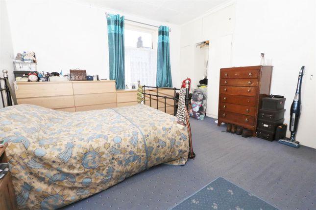 Bedroom One   of Cragg Street, Bradford BD7