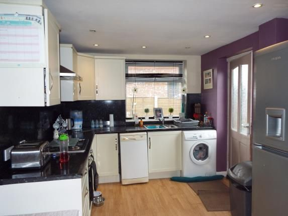 Kitchen of Canberra Road, Leyland PR25