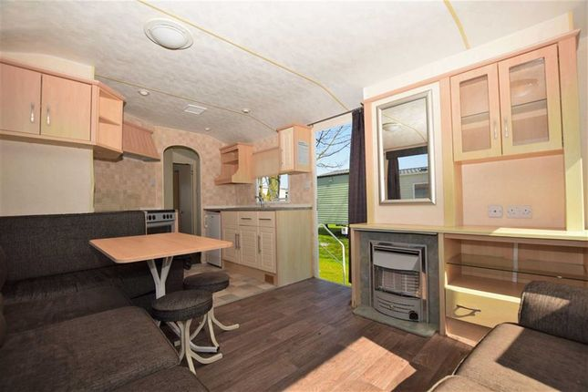 Open Plan Living of Sunnydale Holiday Park, Saltfleet, Lincolnshire LN11