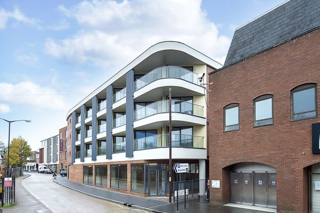 Thumbnail Flat to rent in Drovers Way, St.Albans