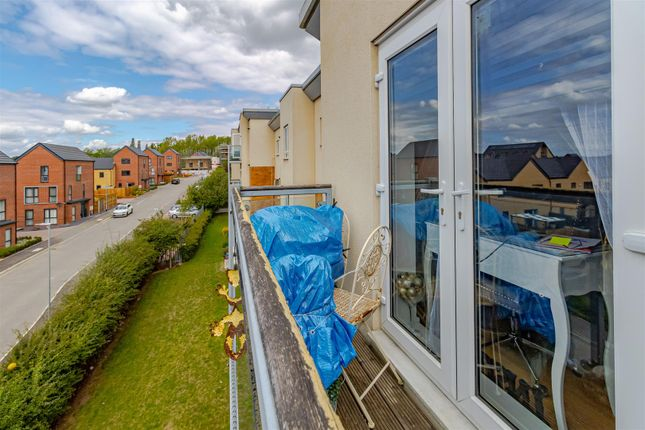 Balcony of Todd Close, Borehamwood WD6