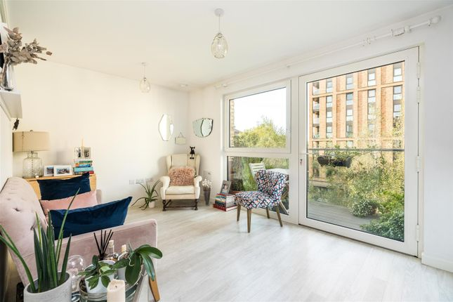 Studio for sale in Nyland Court, Canada Water SE8