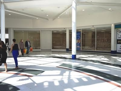 Thumbnail Retail premises to let in Unit 26-27, 39-40 Wulfrun Way, Wolverhampton, West Midlands