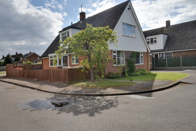 Thumbnail Detached house for sale in The Poplars, Ickleford, Hitchin, Hertfordshire
