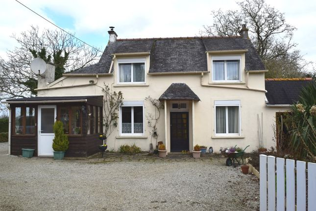 Thumbnail Detached house for sale in 29520 Châteauneuf-Du-Faou, Finistère, Brittany, France