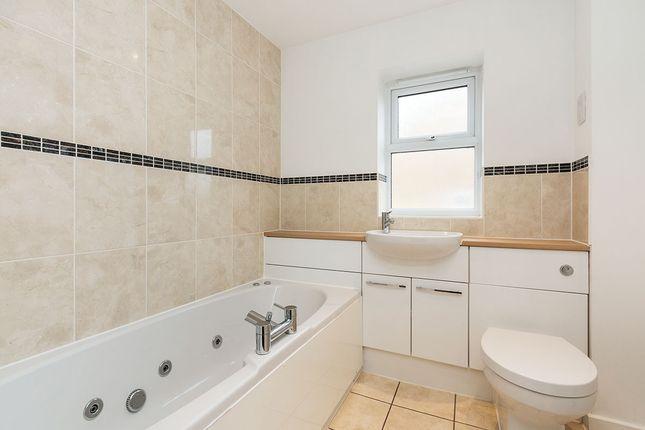 Family Bathroom of Cufaude Lane, Sherfield-On-Loddon, Hook, Hampshire RG27