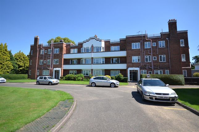 Thumbnail Flat for sale in Knighton Park Road, Leicester