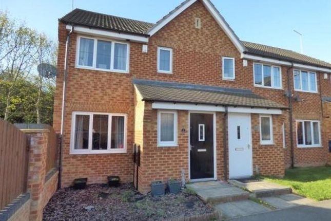 Thumbnail Town house to rent in Cromwell Mount, Pontefract