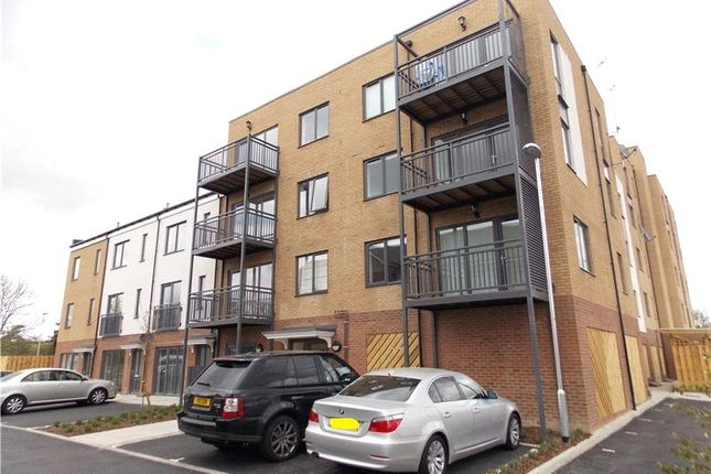 Thumbnail Flat to rent in Watson Place, London