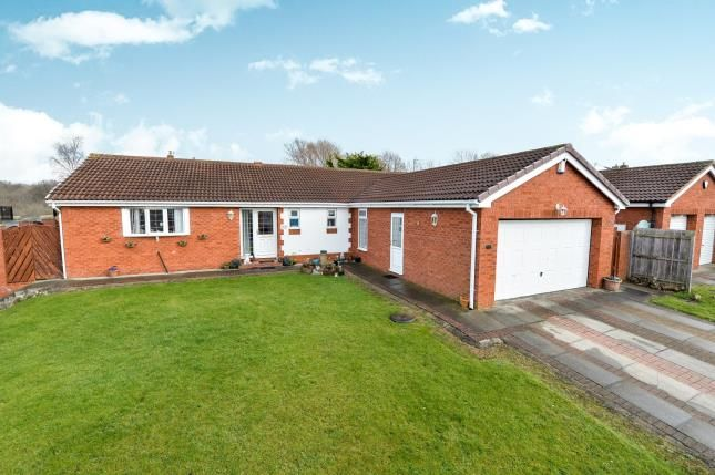 Thumbnail Bungalow for sale in Barberry Close, Ingleby Barwick, Stockton On Tees