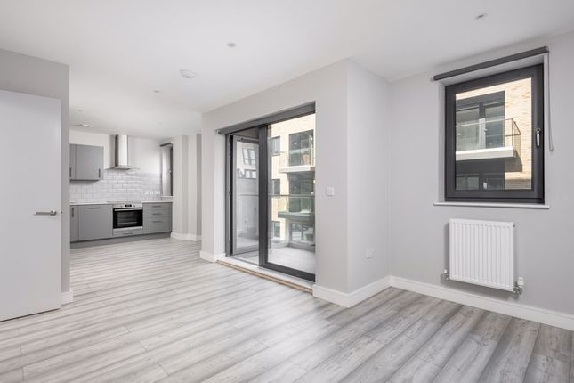 Thumbnail Flat to rent in Varis Court, Station Approach Road, Coulsdon