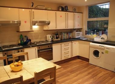 Thumbnail Terraced house to rent in St Michael's Rd, Headingley