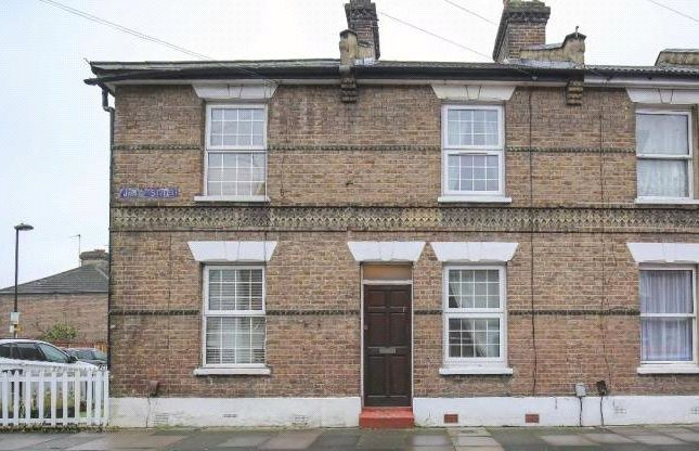 Thumbnail Terraced house for sale in James Street, Enfield, Middlesex