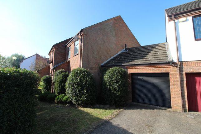 Salisbury Grove, Giffard Park, Milton Keynes, Buckinghamshire MK14