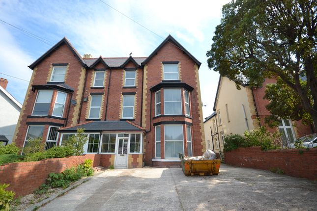 2 bed flat to rent in St Georges Road, Abergele