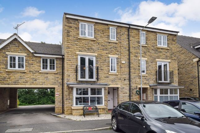 Thumbnail Town house for sale in Longlands, Idle, Bradford