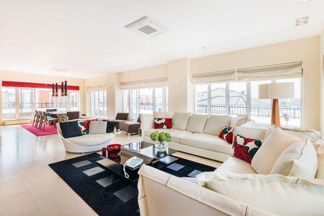 Thumbnail Flat to rent in Redwood Mansions, Kensington