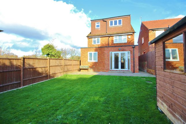 Thumbnail Detached house to rent in Stanborough Avenue, Borehamwood