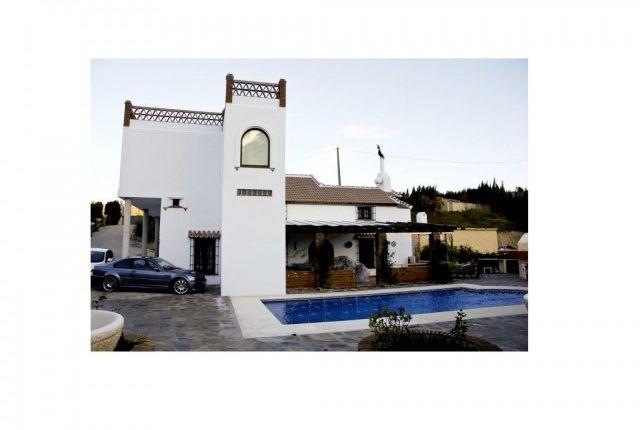 House And Pool of Spain, Málaga, Ojén
