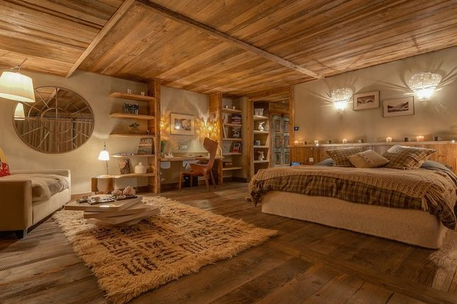 The Master Suite of Val-D'isere, Savoie, France