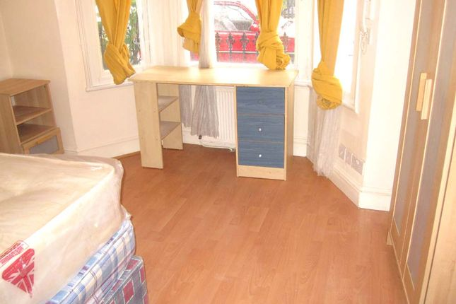 Thumbnail Flat to rent in Yeldham Road, Hammersmith